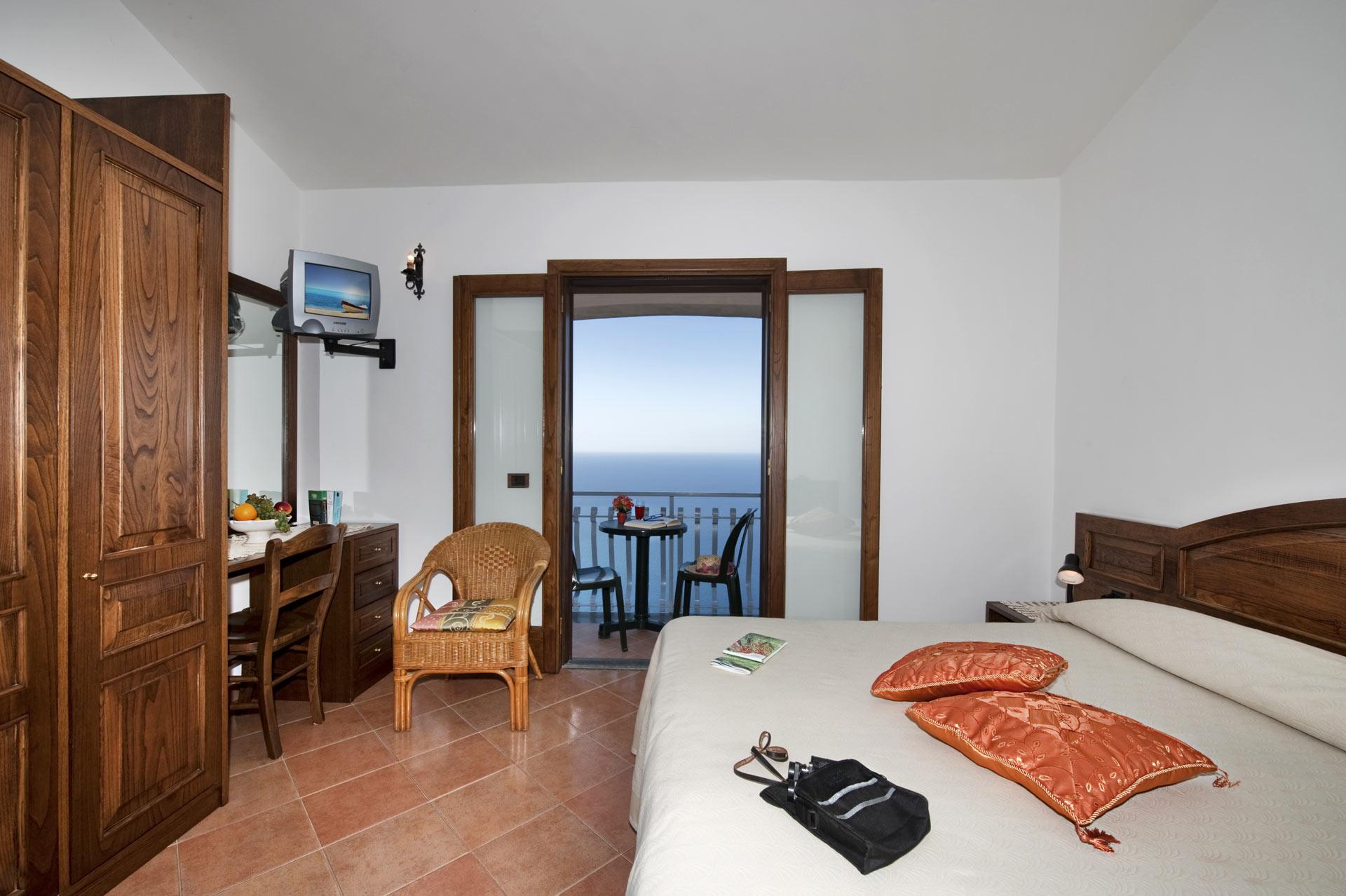 villa-la-quercia_room